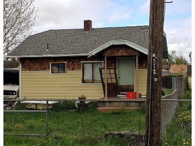 Single Family Home Pending: 5219 SE Knapp St