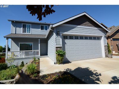 Estacada Single Family Home For Sale: 381 SE Regan Hill Loop