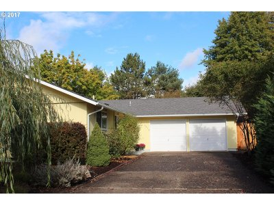Eugene Single Family Home For Sale: 3717 Peppertree Dr