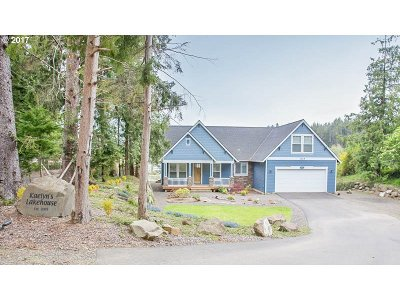 Lincoln City Single Family Home For Sale: 3228 NE 26th St