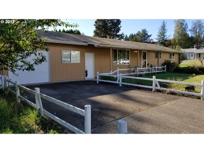 Newberg, Dundee Single Family Home For Sale: 379 SW 7th St
