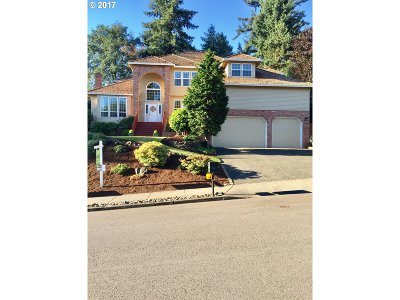 West Linn Single Family Home For Sale: 2193 Carriage Way