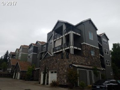 Happy Valley OR Condo/Townhouse For Sale: $275,000