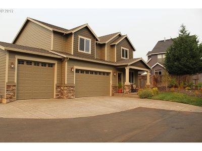Oregon City Single Family Home For Sale: 18864 Autumn Crest Pl