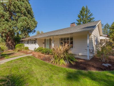 Beaverton Single Family Home For Sale: 5370 SW Cherry Ave