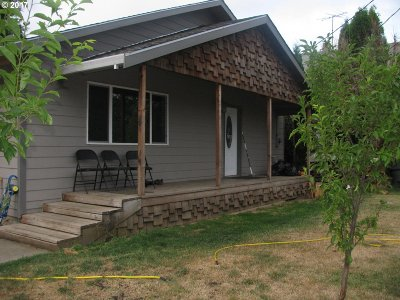 McMinnville Single Family Home For Sale: 745 NW Wallace Rd