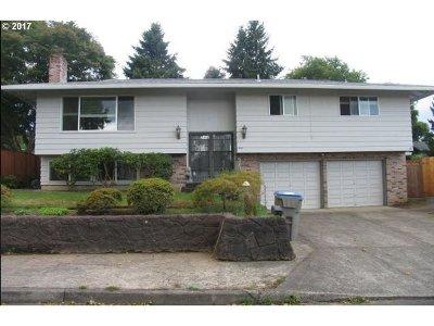 Tigard Single Family Home For Sale: 13245 SW Village Glenn Dr