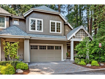 Lake Oswego Single Family Home For Sale: 4521 Trillium Woods