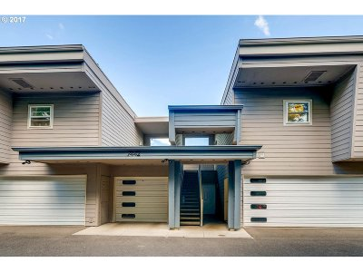 Johns Landing, Johns Landing & Fulton Park, South Waterfront Condo/Townhouse For Sale: 7442 SW Virginia Ave #B
