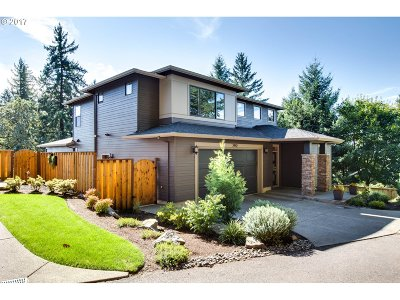 West Linn Single Family Home For Sale: 2442 Crestview Dr