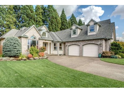 Keizer Single Family Home Sold: 689 Crystal Springs Ln