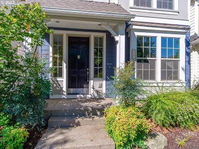 Single Family Home For Sale: 17251 SW Montague Way