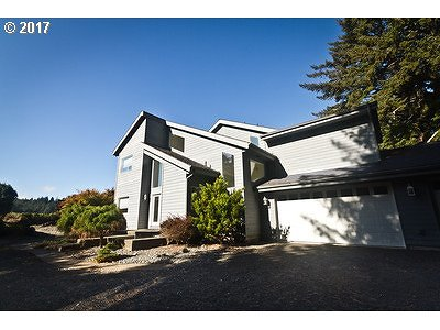 Coos Bay Single Family Home For Sale: 62220 Crown Point Rd