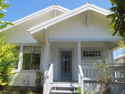 Coquille OR Single Family Home For Sale: $122,000