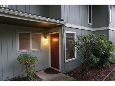 Eugene Condo/Townhouse For Sale: 1500 Norkenzie Rd #11