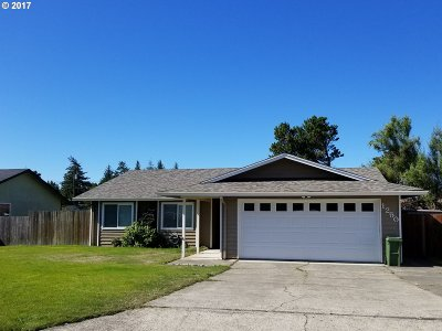 Coos Bay Single Family Home For Sale: 1250 Sanford