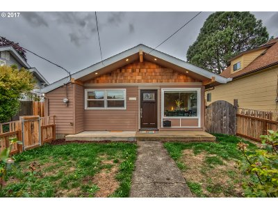 Portland Single Family Home For Sale: 6209 SE 89th Ave