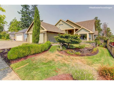 Forest Grove Single Family Home For Sale: 1409 Begonia Ave