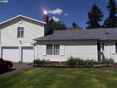 Single Family Home For Sale: 13901 SE Bush St