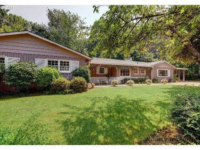 West Linn Single Family Home For Sale: 2534 Munger Dr