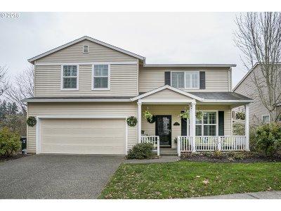 Hillsboro Single Family Home For Sale: 184 NE Danbury Ave