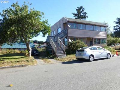 Gold Beach Multi Family Home For Sale: 94235 First St