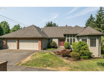 Tualatin Single Family Home For Sale: 22000 SW Hedges Dr