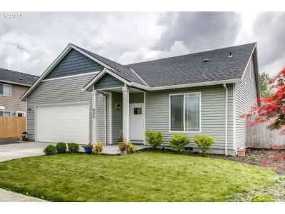 Molalla Single Family Home For Sale: 805 Stowers Rd