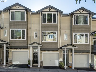 Beaverton Condo/Townhouse For Sale: 15445 SW Sparrow Loop #103