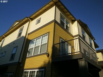 Happy Valley Condo/Townhouse For Sale: 11183 SE Causey Cir