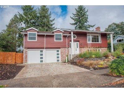 Portland Single Family Home For Sale: 4195 NW 190th Ave