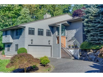 Lake Oswego Single Family Home For Sale: 3554 Tempest Dr