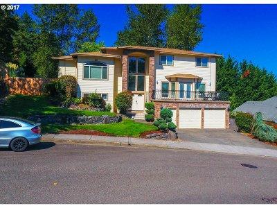 Clackamas Single Family Home For Sale: 11441 SE Hidalgo Ct