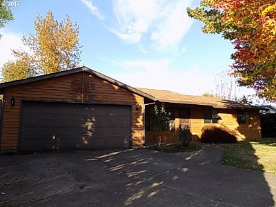 McMinnville Single Family Home For Sale: 745 SE Alethea Way