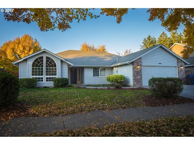 Keizer Single Family Home For Sale: 999 Parkmeadow Dr