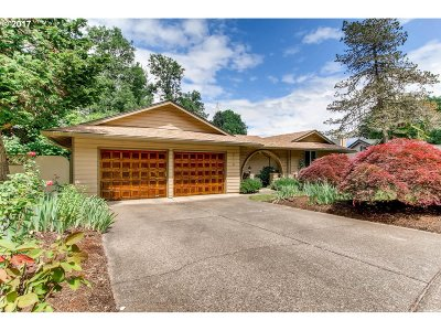 West Linn Single Family Home For Sale: 19419 Wilderness Dr