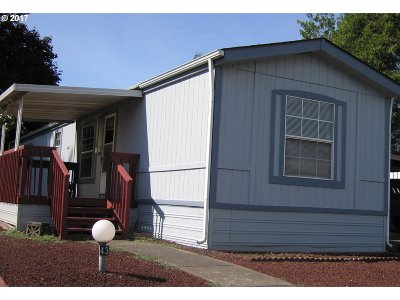 Springfield Single Family Home For Sale: 2150 Laura St #SP 43