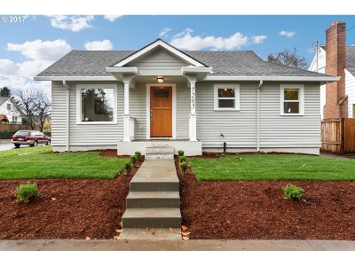 Portland Single Family Home For Sale: 7205 N Burrage Ave