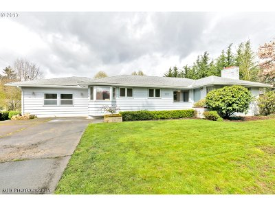 Portland Single Family Home For Sale: 7027 SW 45th Ave
