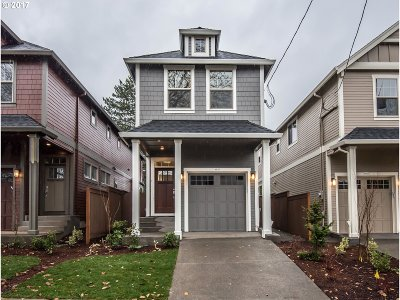 Portland Single Family Home For Sale: 3955 SE 36th Ave
