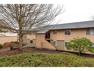 Portland Condo/Townhouse For Sale: 12614 NW Barnes Rd #3