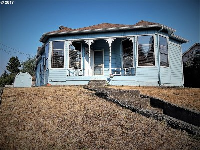 Coquille OR Single Family Home For Sale: $159,000