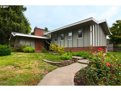 Eugene Single Family Home For Sale: 2675 Country Ln