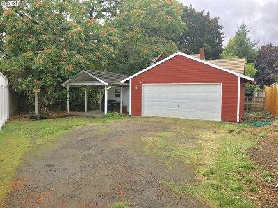 Hillsboro Single Family Home For Sale: 2733 NE 1st Ct