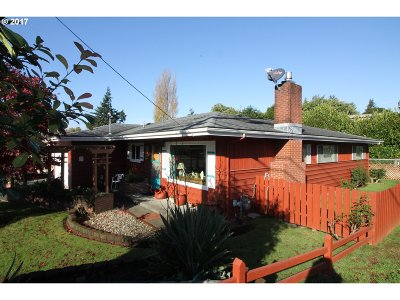 North Bend Single Family Home For Sale: 798 Newmark