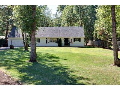 Lake Oswego Single Family Home For Sale: 2025 Wembley Park Rd