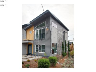 Portland Single Family Home For Sale: 7576 N Curtis Ave