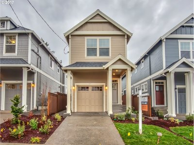 Portland Single Family Home For Sale: 3947 SE 36th Ave