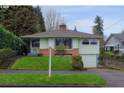 Portland Single Family Home For Sale: 6025 NE 35th Ave