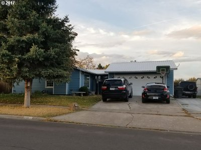 Hermiston Single Family Home For Sale: 1240 W Hartley Ave